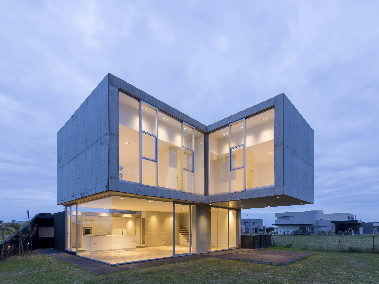 Casa San Sebastian L267 designed by Brigati-Polak arquitectos