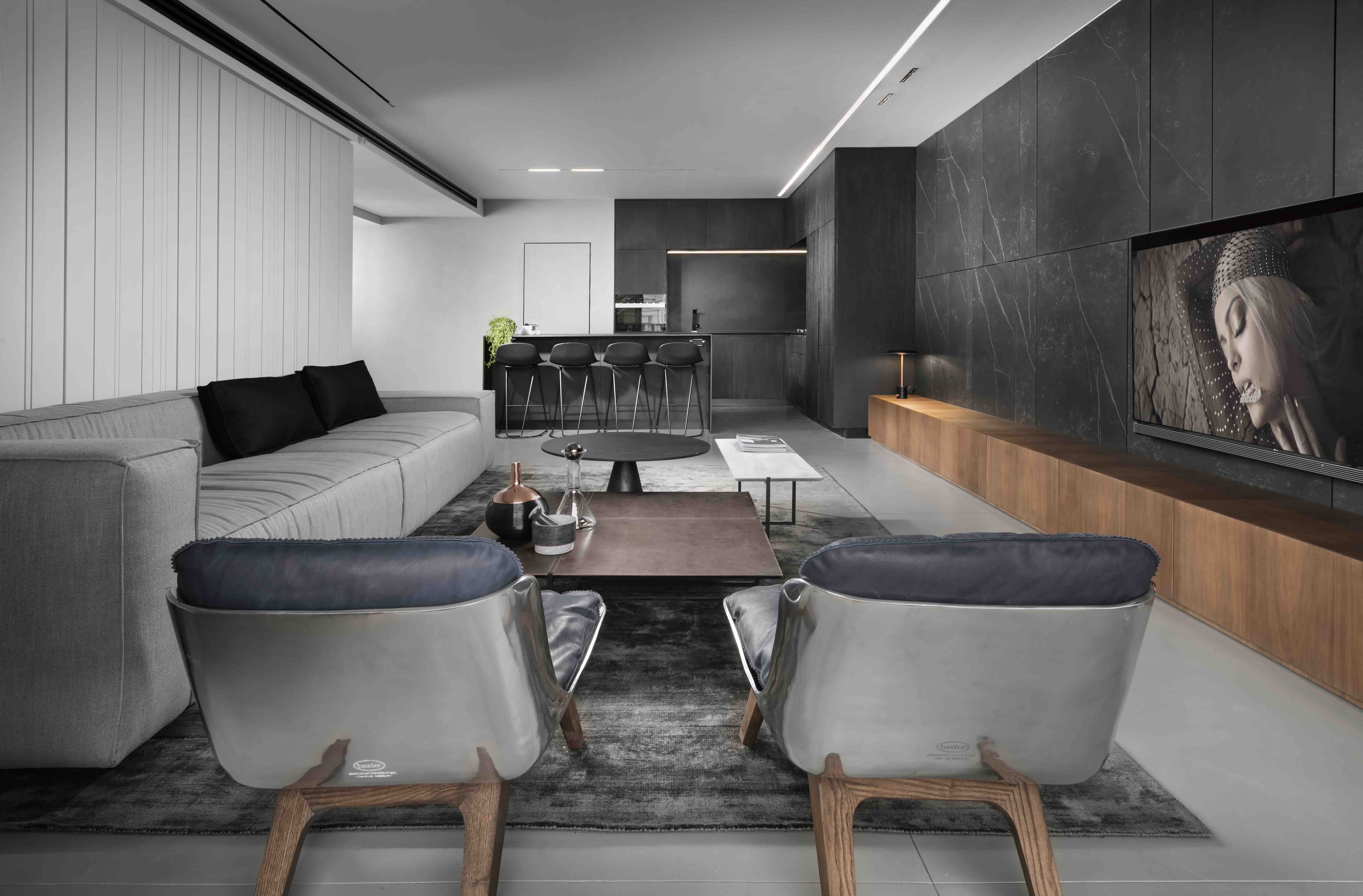 """Apartment renovation """"The Continued Dialogue""""  by Erez Hyatt"""