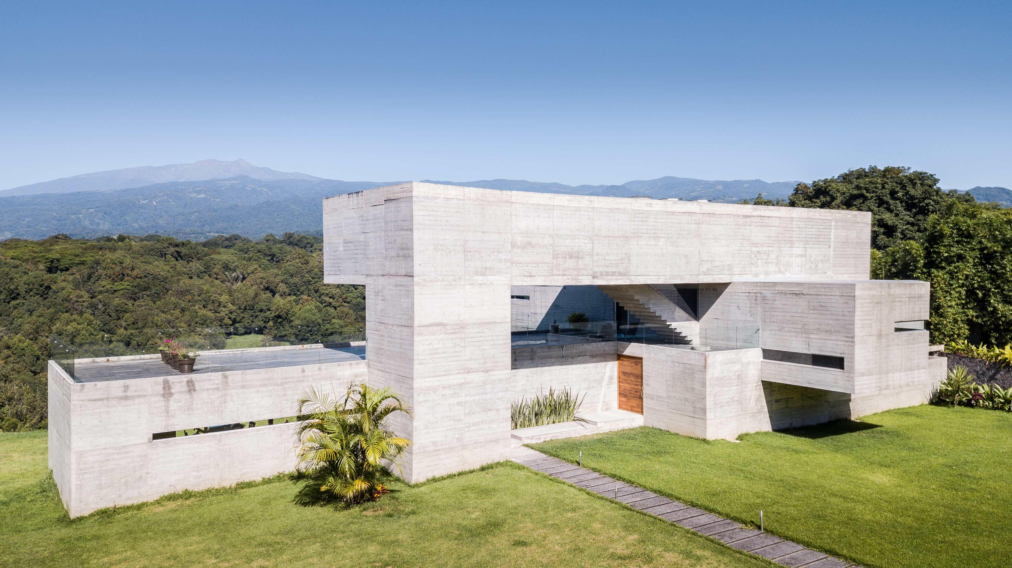Casa Oyamel designed by Rafael Pardo Arquitectos